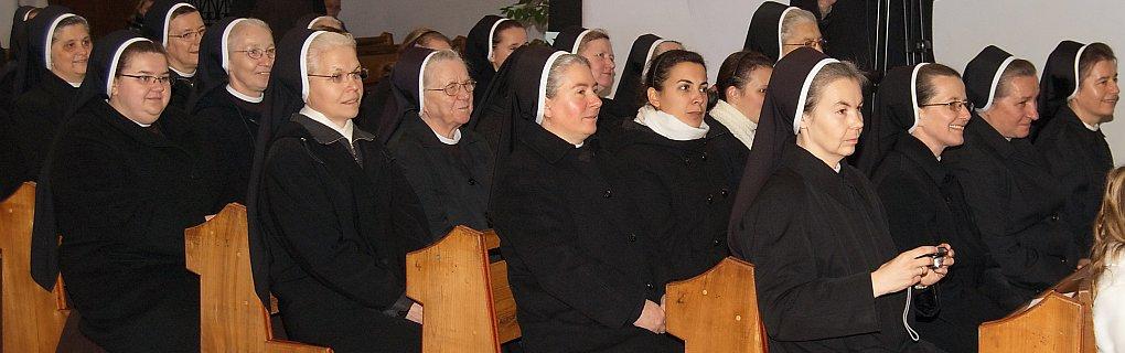Zgromadzenie Córek Matki Bożej Bolesnej /Sióstr Serafitek/ zostało założone w Zakroczymiu w 1881 r. przez bł. O. Honorata Koźmińskiego – kapucyna i Sługę Bożą M. Małgorzatę Łucję Szewczyk.